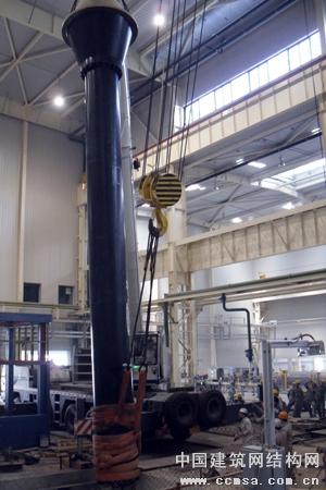 上海宝冶厦顺铝箔铸造机最大液压缸安装告捷 - 钢结构