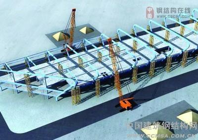 新桥机场建设指挥部的林工程师告诉记者,在航站楼进入屋顶钢结构施工