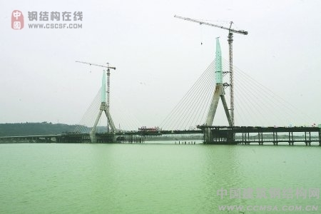 5月大桥基本完成_钢结构