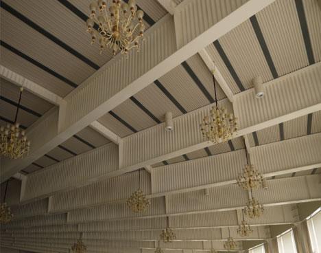 结构事业部的晋娟茹女士主要介绍了新技术波浪腹板钢结构应用技术规范