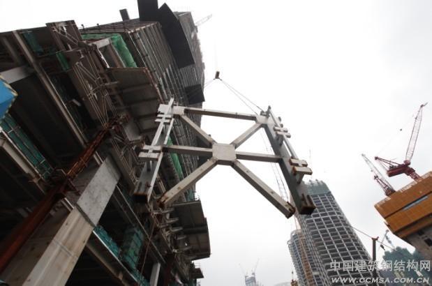 中建钢构:广州东塔巨型塔吊首次顶升工程建设即将迈