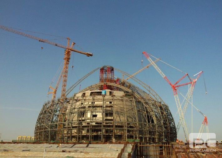 新疆大剧院南侧外壳次段主桁架开吊 - 钢结构行业企业