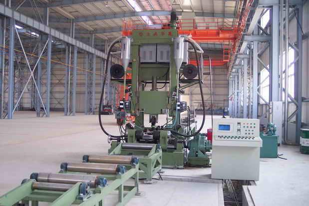 H/T型钢自动焊接生产线--组立、焊接、矫正一体机