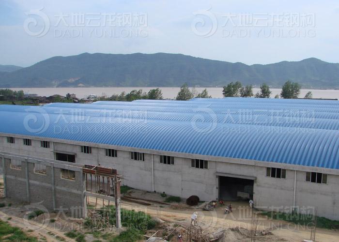 钢结构网首页 -> 湖北祥云(集团)拱形屋顶工程 -> 内容   工程名称