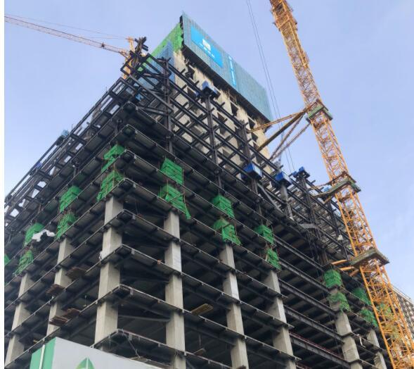 """""""伸""""展巨""""臂""""倚天际 工业公司北京E06项目钢结构施工侧记"""